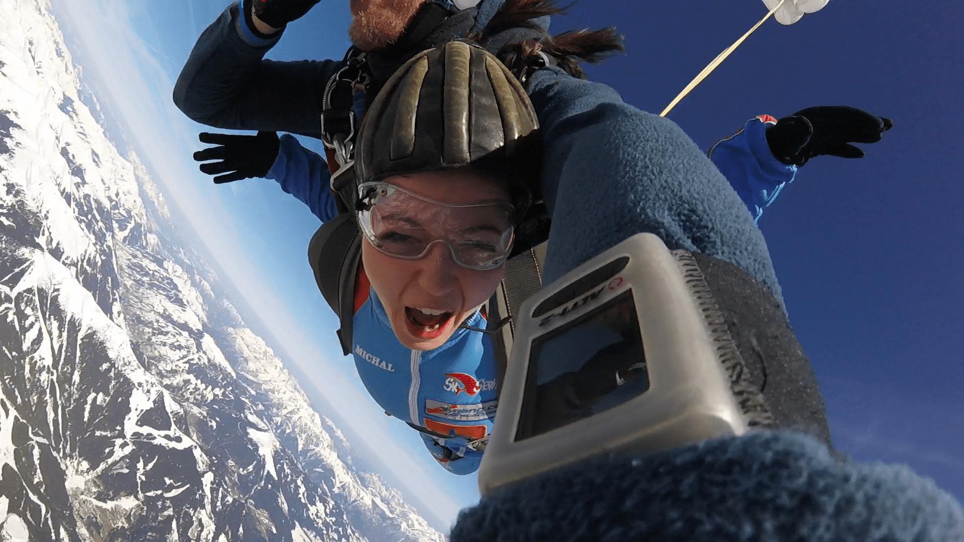 Fallschirmspringen Kundin München in Zell am See Österreich